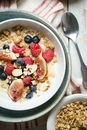 6 вкусных идей для фруктово-ягодной овсянки