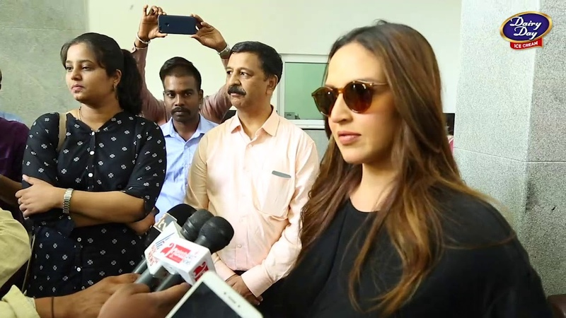 Esha Deol and her Cakewalk movie team visit Dairy Day Production Unit