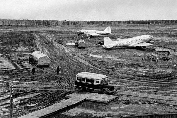 Толмачёво — один из двух пассажирских аэропортов Новосибирска, 1957 год.