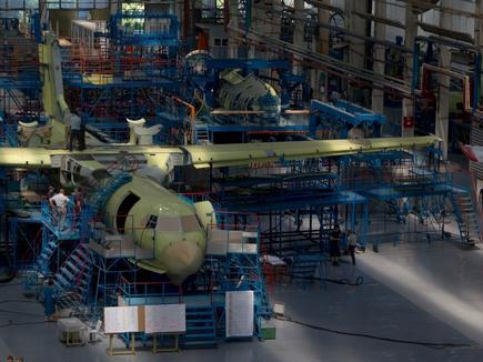 На ТАНТК имени Бериева собрали один Бе-200 и увеличили на 30% зарплату производственному персоналу