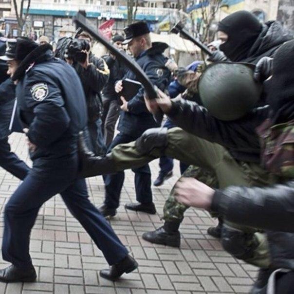 В ходе сегодняшних акций в центре Киева пострадало три человека, - Нацполиция - Цензор.НЕТ 8755