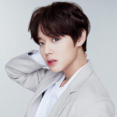 Shin Jae