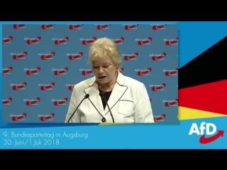 9. AfD Parteitag. Erika Steinbach bekommt stehende Ovation nach ihrer Rede