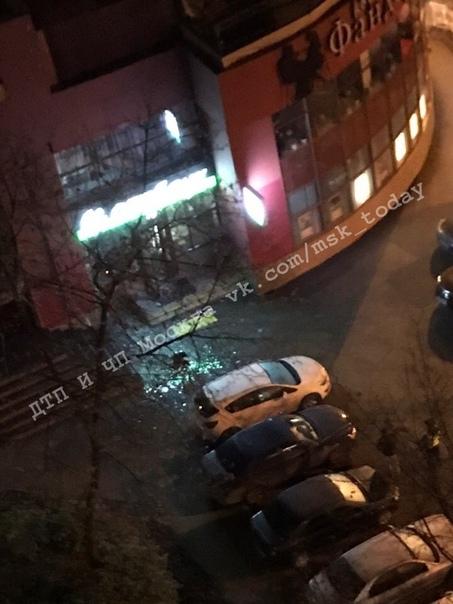 Сегодня в 3:45 г.Королёв, на проспекте Королёва, д28а. По предположению нашего подписчика [id2039323...