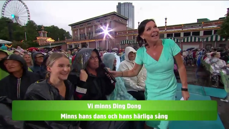 Lotta Engberg and the audience-Ding dong.(Lotta på Liseberg 09.07.2018.)