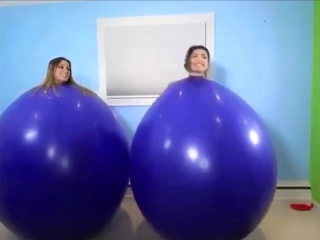 GIRLS WITH BALLS😜😘