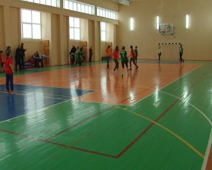 В Армянске стартовали соревнования по мини-футболу
