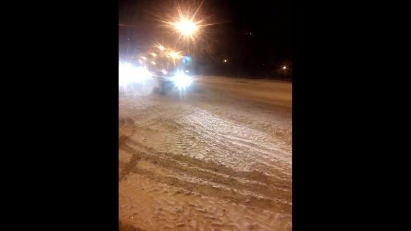 22 марта Саранск, весна, дороги чистят вовсю