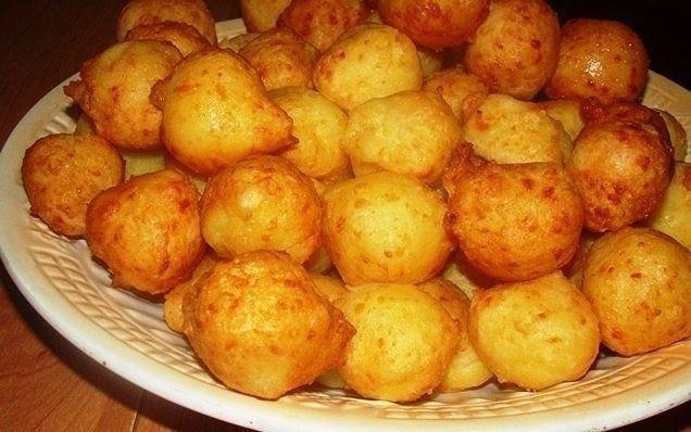 Пампушки из картофеля Картофель вареный-500 гр Яйцо-2 шт Сыр твердый-100