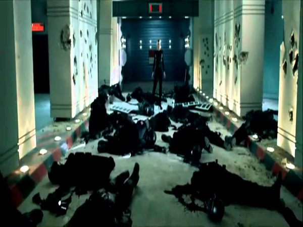 Resident Evil Afterlife - Arrival of First Clone of Alice