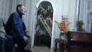 Дядя Хабиба Нурмагомедова смотрит бой