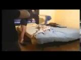 Скрытая камера Женщина соблазняет электрика a woman seducing an electrician on hidden cam