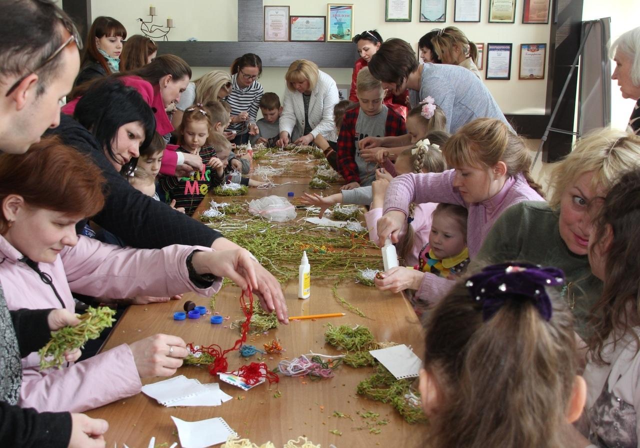 Социальная акция «Если добрый ты» прошла в Донецком городском молодежном центре