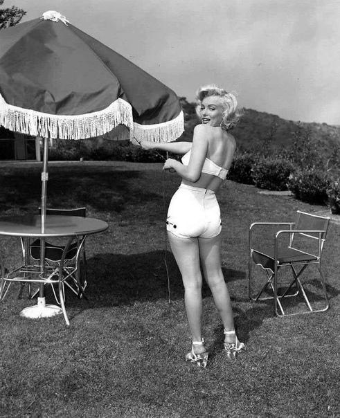 Солнечная фотосессия с Мэрилин Монро, 1953 год.