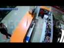 Череповчанин украл телефон в ТЦ и попал под прицел видеокамеры