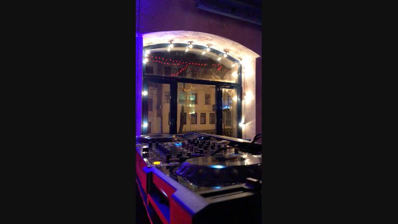 Сегодня в баре Realist ул. Комсомольская 12 вечеринка Injection Night вместе с Ucast