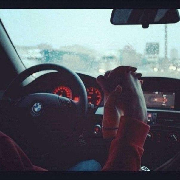 Фото он и она в машине 12 фотография