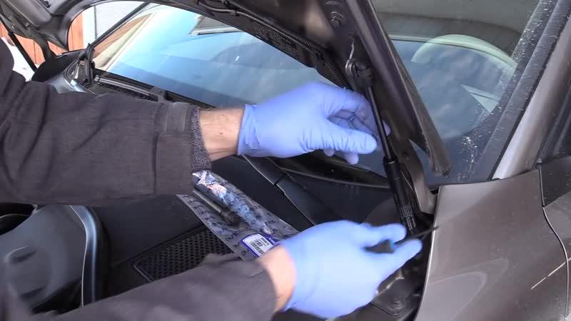 Volvo XC70 T6 замена амортизаторов капота
