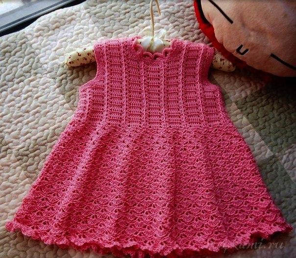 Красивое платье для девочки вяжем крючком, схема по ссылке: http://ru4kami.ru/vy...
