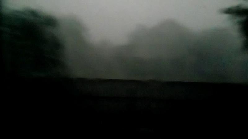 С. Привітне (ураган, на своїх очах) так дуло що, через євро вікна текла вода 😨😨