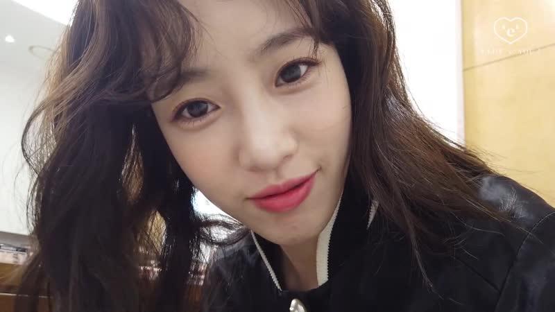[YT] 190420 Eunjung - Youtube - [VLOG] 함은정의 브이로그 서촌나들이, 패션위크 준비, 화보촬영 l ELSIE Official