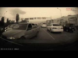 Водитель очень красиво наказал местное быдло!!! ГАИ Казахстан ПДД
