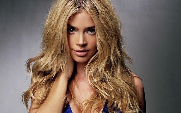 Овальное лицо...  Стрижки на длинные волосы являются особенно популярными среди молодежи. .  Вариантов масса. .