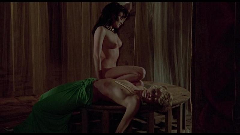 1974 - Убийца зарезервировал девять мест / Lassassino ha riservato nove poltrone