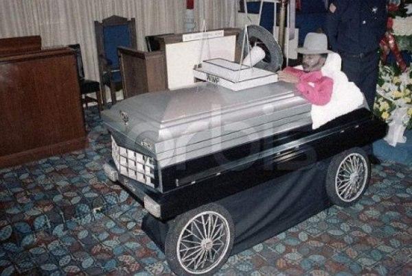 Необычные гробы 2