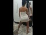 Novinha gostosa dançando sem calcinha de vestidos! 2018