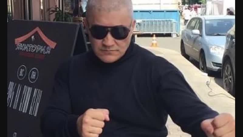 актёр Валерий Скляров