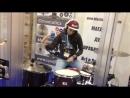 Как же мне нравится, когда девчонки играют на барабанах! Международная музыкальная выставка musikmesse
