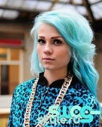 девушка с синими волосами фото