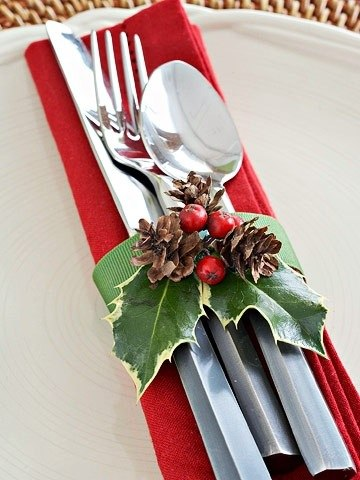 Holly and Pinecone Napkin Ring