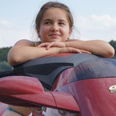 Лиза Тарасова, 21 июля 1998, Коломна, id187925353