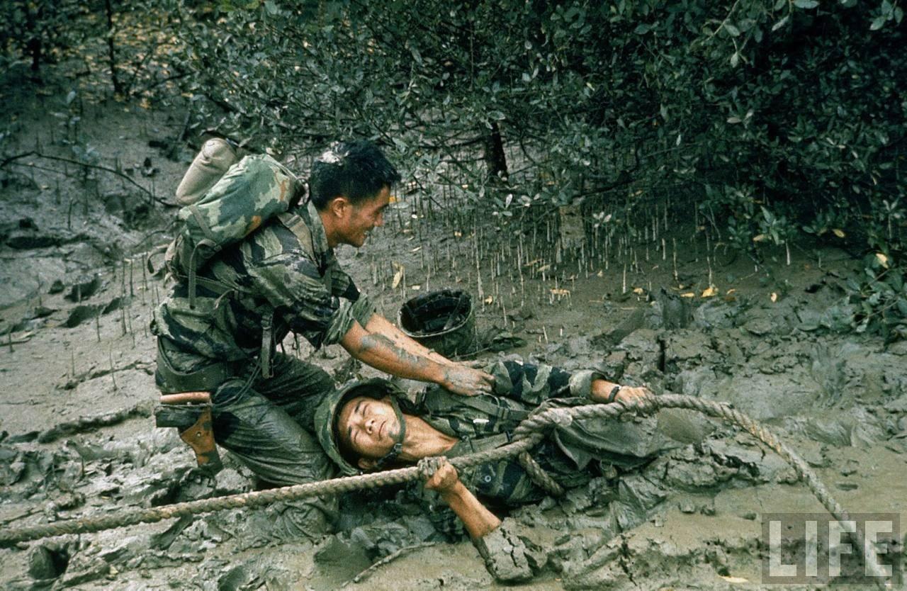 guerre du vietnam - Page 2 V1yqK-3uC9k