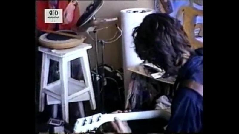 Юрий Каспарян (соло-гитарист гр. Кино) и его легендарная Yamaha SG-200