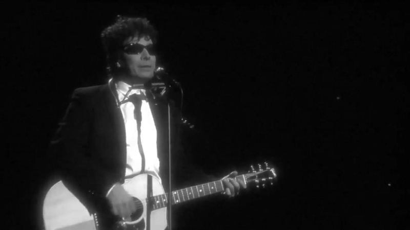 Jimmy Fallon Takes On Donald Trump With Bob Dylan Impersonation