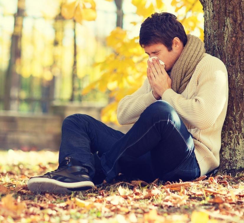 Аллерголог может помочь пациенту справиться с долгосрочной аллергией.