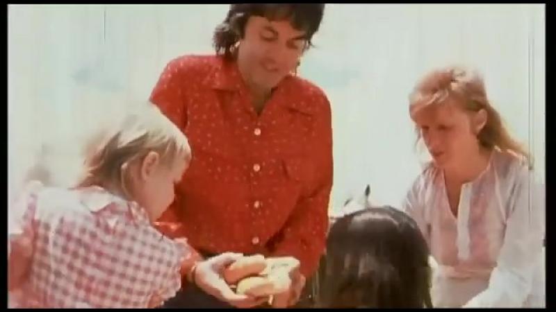 Paul McCartney - Monkberry Moon Delight (MusicVideo)