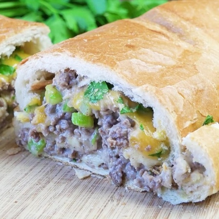 H o l l y l o f t h o u s e в Instagram: «Stuffed French Bread is a super easy 30 minute meal I love to make on weeknights. It's a yummy one! Rec...