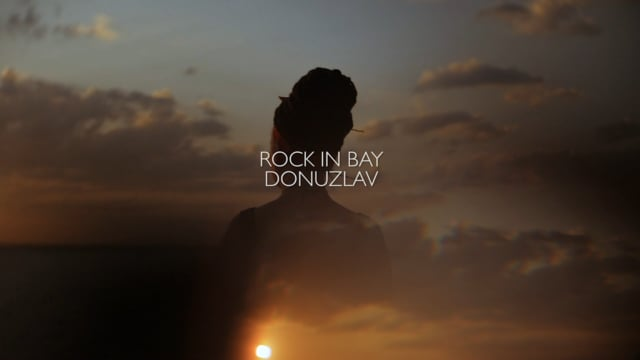 ROCK IN BAY. DONUZLAV