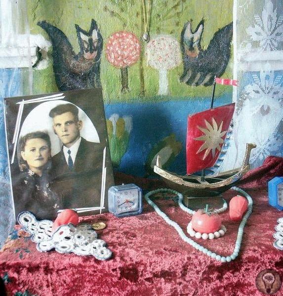 Сказочный дом Полины Райко Полина Райко (1928-2004). Одна из миллионов. Незаметная колхозница из городка Олешки. Все типично и скучно. Муж умеренный алкоголик, увлекающийся рыбалкой. Двое детей.