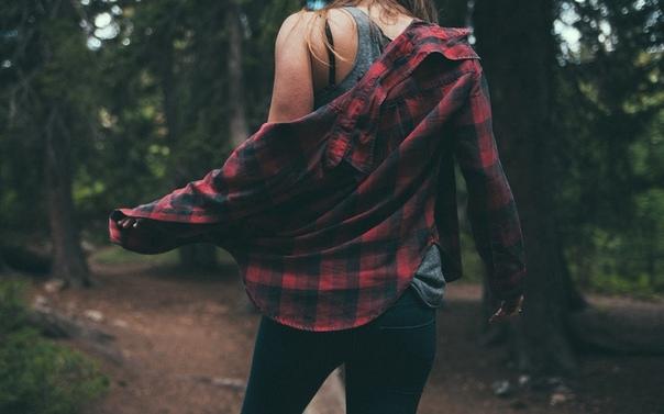 Если нижнюю пуговицу рубашки застегнуть неправильно, то и все остальные будут застегнуты неправильно. В жизни бывает много ошибок, которые сами по себе не ошибки, а следствия первой пуговицы, застегнутой неправильно.