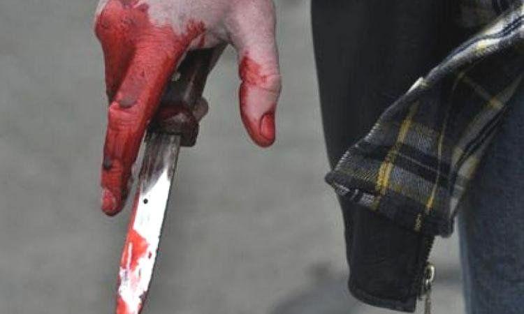 В реанимацию Зеленчукской ЦРБ попал житель Кардоникской с ножевыми ранениями