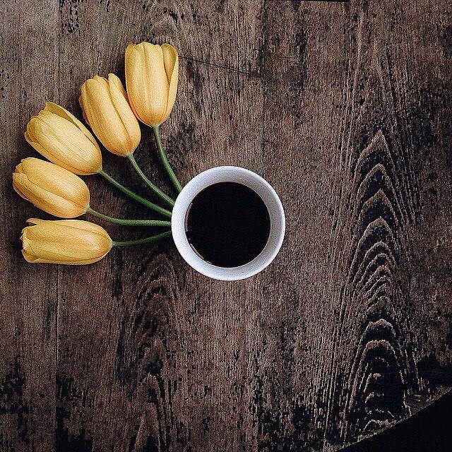 кофе желтые тульпаны