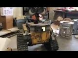 WALL-E на движениях