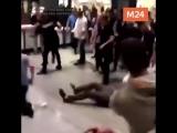 Драка между фанатами Хабиба Нурмагомедова и Конора Макгрегора