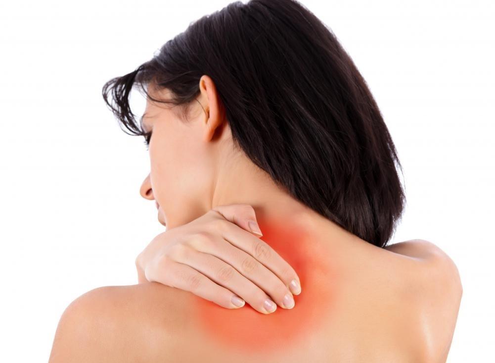 Массажное кресло может помочь уменьшить боль в плече.