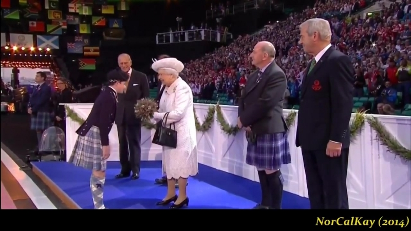 """Susan Boyle ushered in The Queen w⁄""""Mull Of Kintyre"""" - 2014 Commonwealth Games Opening Ceremony"""